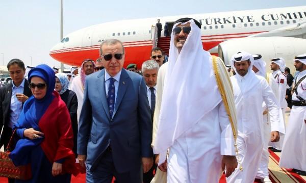 Ердоган и емирът на Катар обсъдиха кризата в Залива