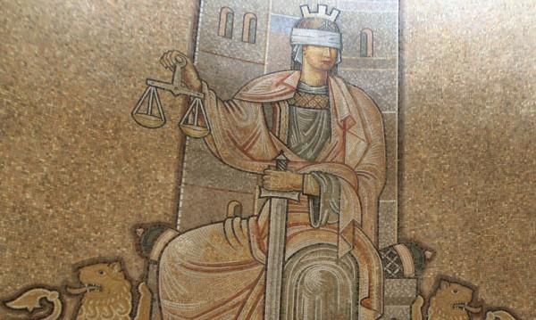 Всеки шести иска: Съд и прокуратура – подчинени на Борисов