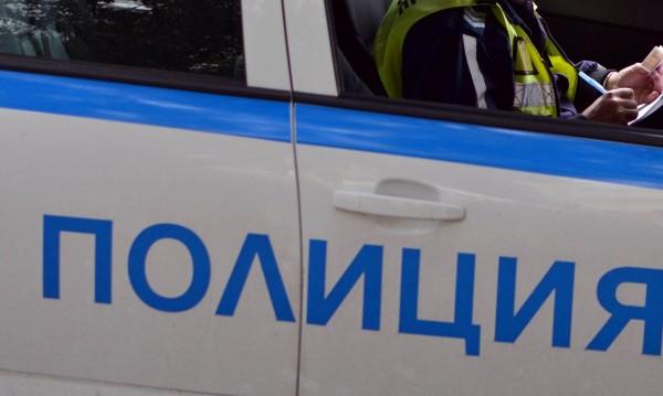 Шофьор на автобус в София се блъсна в ограда, прилошало му