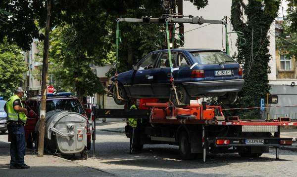 """Вдигането на кола с """"паяк"""" – незаконно, нарушава права"""