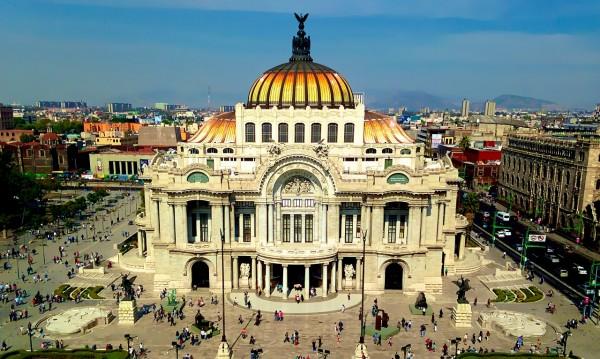 Знаете ли, че... Мексико Сити е построен над руините на велик ацтекски град?