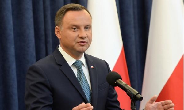 Полша отговори: Не приемаме шантаж от чиновници на ЕС