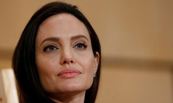 Анджелина Джоли загърби киното, стана домакиня