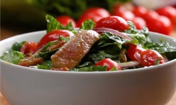 Рецептата Dnes: Салата с пиле и бекон