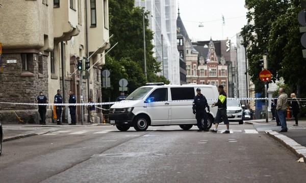 Пиян прегази хора с колата си в центъра на Хелзинки