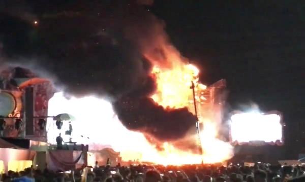 Фойерверк подпали сцена на фестивал, евакуираха 20 000