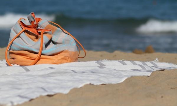 Българското море, там, където и министрите, и касиерките са голи!