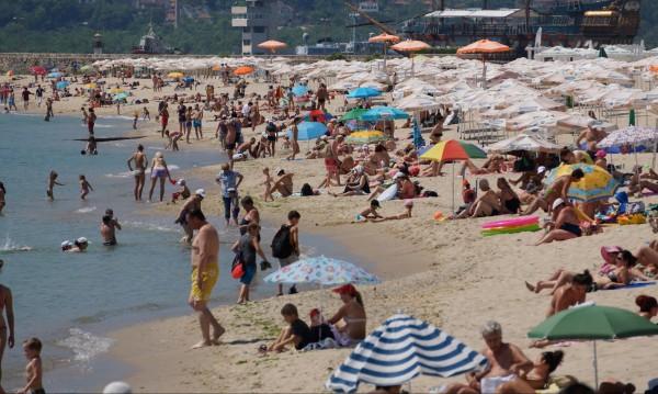 Къпете се на воля! Всички плажове около Варна са чисти