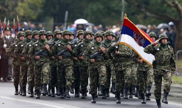 Сърбия въвежда военно обучение за всички граждани?