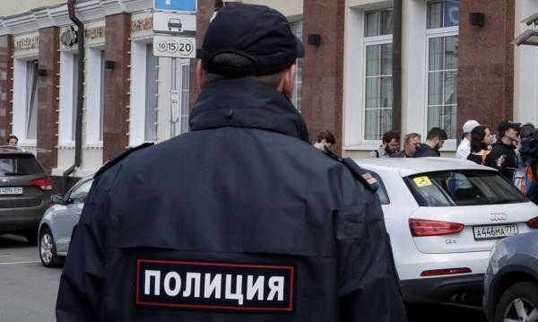 Като на кино: Бандити извадиха пистолети в съд в Москва