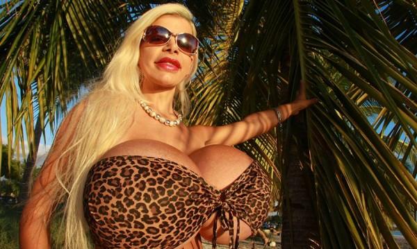 Мартина Биг – германката с най-големи гърди в Европа