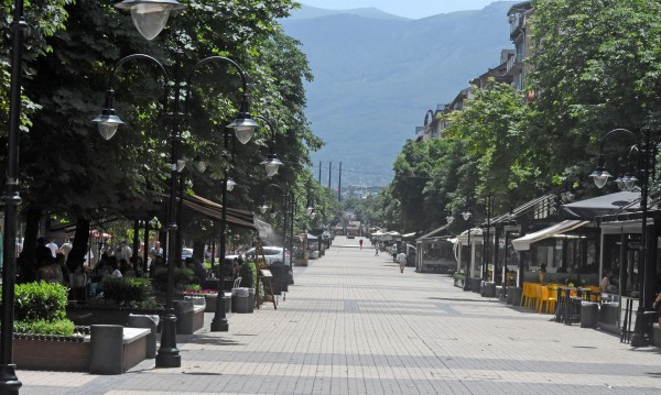 Инфаркти, инсулти… Над 100 сигнала заради жегата в София