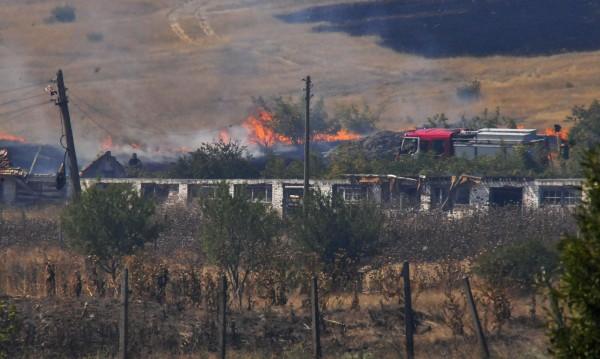 Отново огнена стихия край Изворище, горят 300 дка гори
