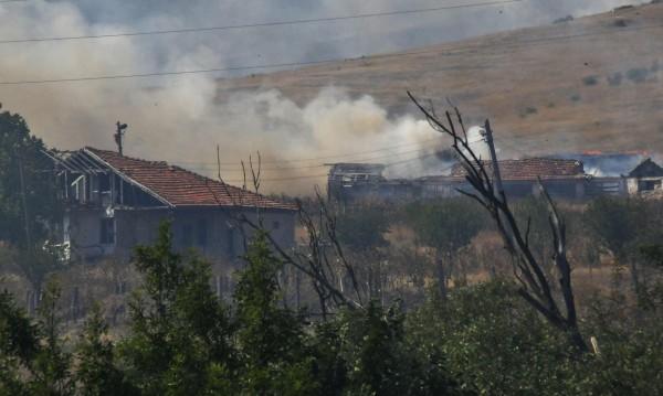 Военните пак се включиха в гасенето на пожара край Изворище