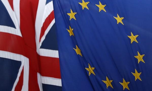 13 месеца след референдума за Brexit - напускането на ЕС сложно и проблемно