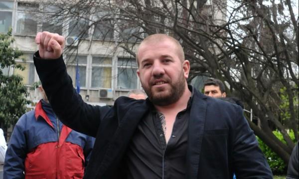 """Динко тръгва за Миленко, ще му остави """"незабравими спомени"""""""