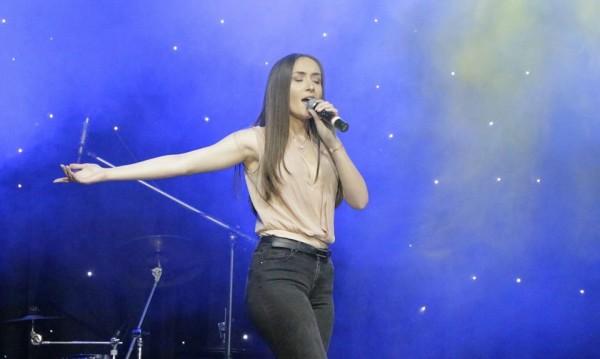 Дара Екимова по стъпките на Дими, готова с първа песен