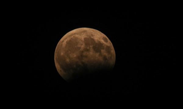 Стотици българи гледаха шоуто на Земята и Луната