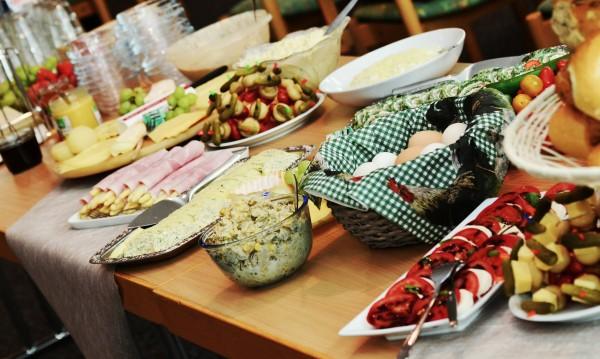 С грижа за вегетарианците: Храним еврочиновниците с 1,4 млн.