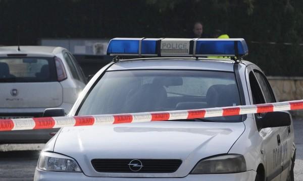 В Стражарево: Мъж изнасили момиче, то си преряза вените