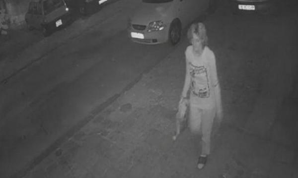 Блондинка вандалства из Варна: Троши коли нощем, пие, псува...