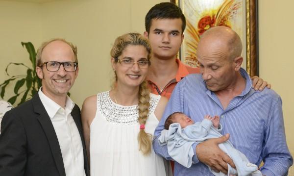 Бебчо Николай, роден във въздуха, вече е у нас. Добре дошъл!