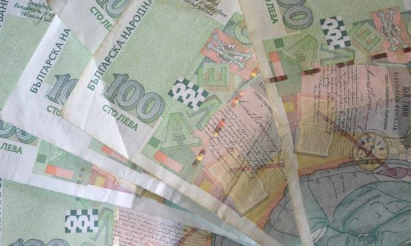 12 бона, евро и злато за ало измамниците в Ловеч