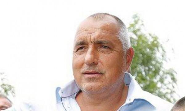 Лятото на Борисов: На поход за сафрид, но само разходка с лодка