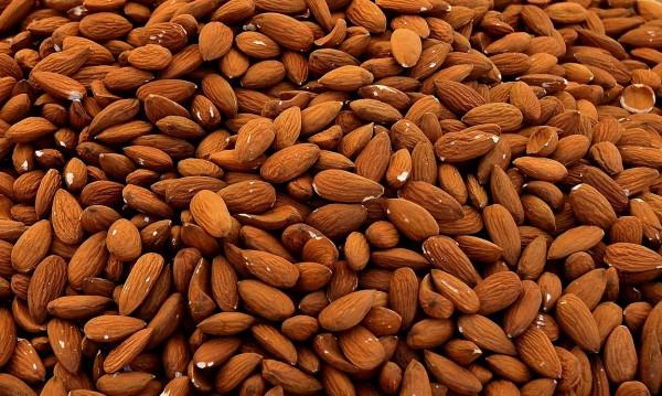 Само 4 бадема на ден за повече здраве и красота