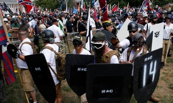 След насилието в Шарлътсвил – масови протести в САЩ