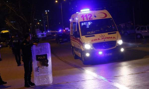 Турски полицай – наръган с нож в Истанбул от боец на ИД