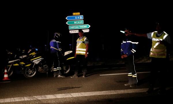 Няма данни за пострадали българи при инцидента край Париж