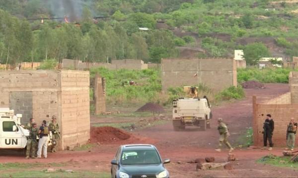 Петнайсет убити при атака срещу мисията на ООН в Мали