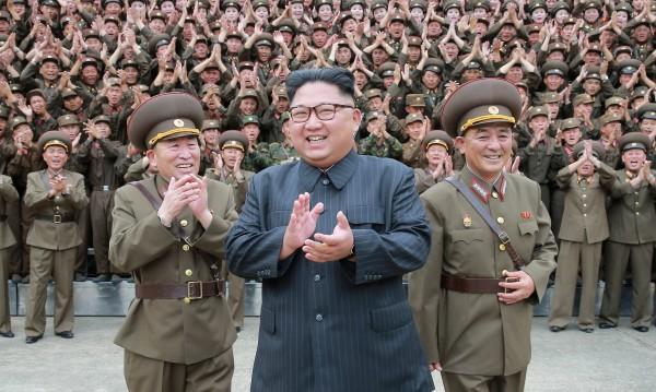 Ким и Тръмп дават заден ход, успокояват топката