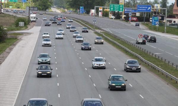 Как се шофира в България? Пускаме указания за чужденците