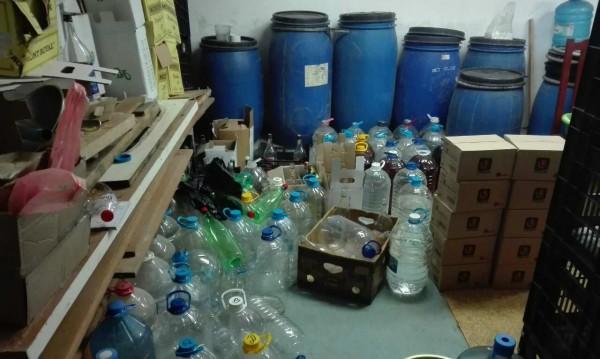 За 2 дни по морето: Пипнаха 1,5 тона алкохол менте