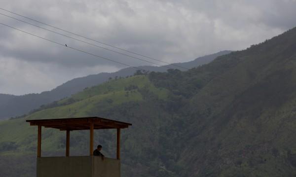 Десетки загинали при затворнически бунт във Венецуела