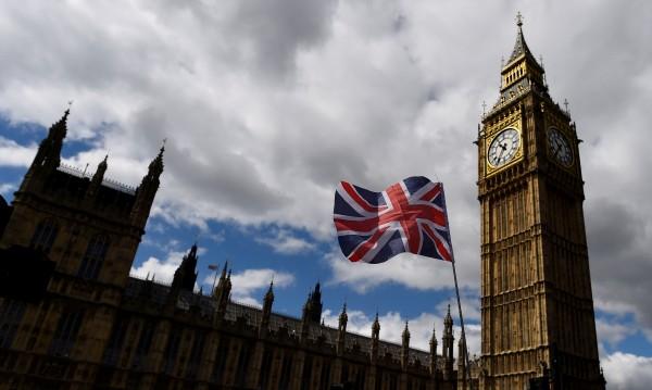 """""""Гардиън"""": Без визи за гражданите на ЕС след Brexit"""