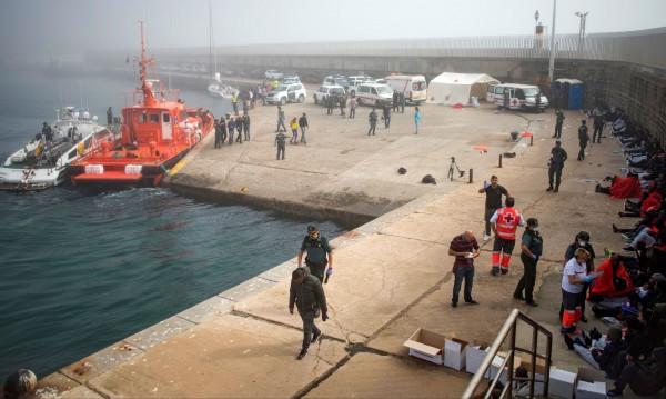 Срещу 5 хил. евро: Прекарвали мигранти с джетове от Мароко