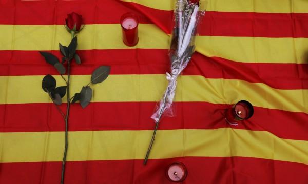В Барселона все още издирват един от терористите