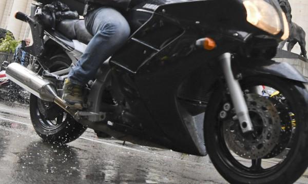 Моторист уби на място пешеходец в София