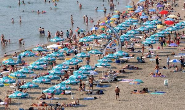 Разделят курортите – за забавления и за семейна почивка