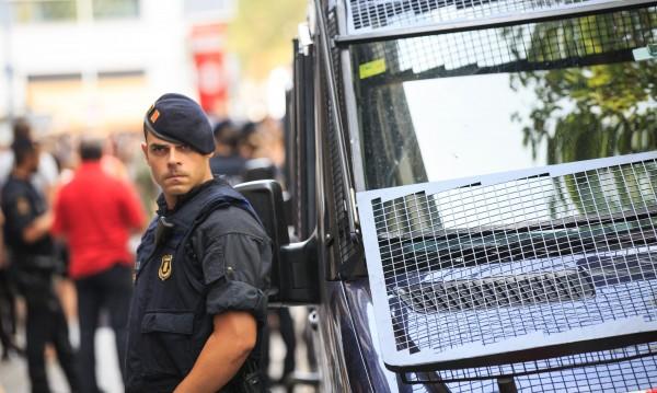 """""""Предай нататък"""": SMS паника сред българите в Барселона"""