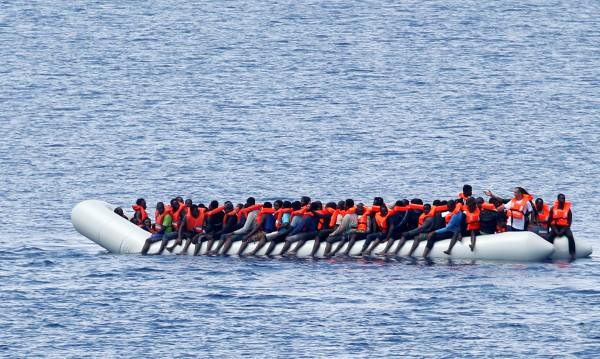 България нащрек! Черно море ли ще е новият път на мигрантите?
