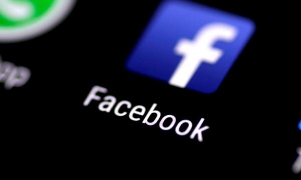 Тинейджърите в САЩ мигрират от Facebook в Instagram. Защо?
