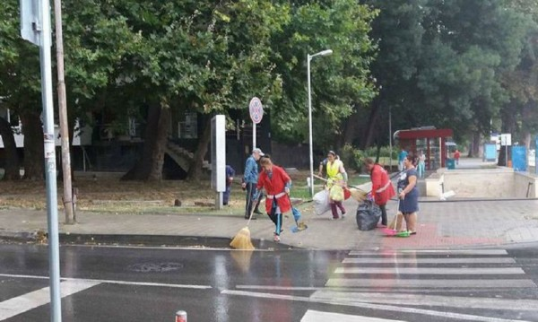 Варна – чиста, окосена, френски знамена се веят
