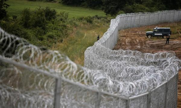 """В Турция протестират срещу """"стената на срама"""" – оградата на границата ни"""
