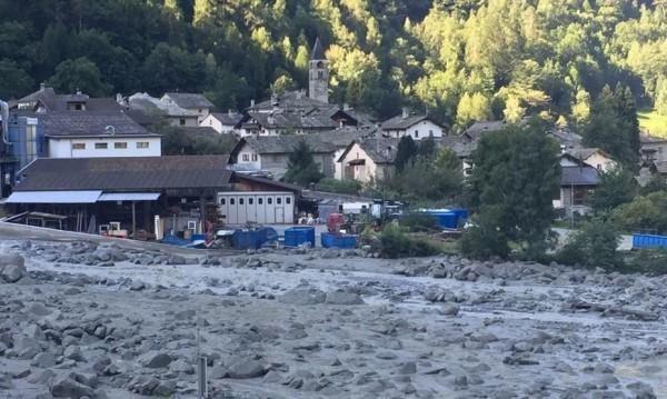 8 души в неизвестност след скалната лавина в Швейцария