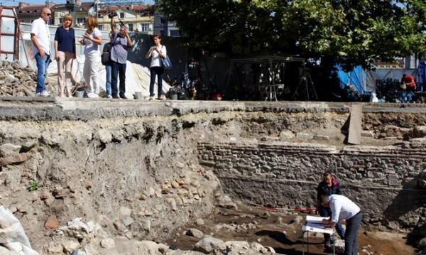 """Археолози откриха римската """"Витошка"""" под """"Света Неделя"""""""