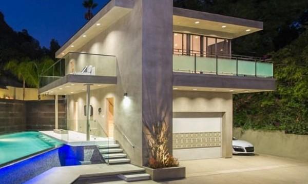 Да тънеш в лукс: Новият дом на Риана